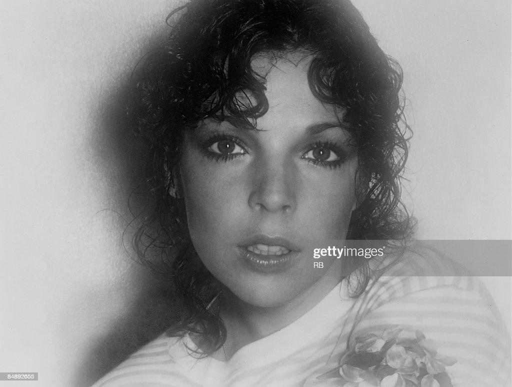 Photo of Carole BAYER-SAGER; Posed portrait of Carole Bayer Sager