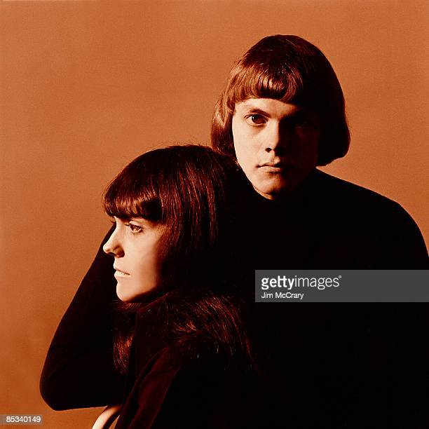 Photo of CARPENTERS and Karen CARPENTER and Richard CARPENTER LR Karen Carpeneter and Richard Carpeneter posed at AM studio