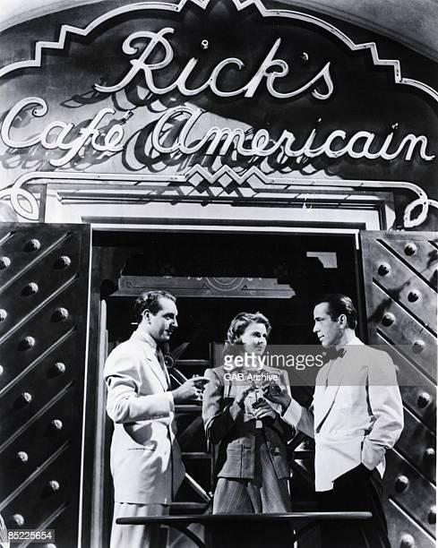 Photo of CASABLANCA; Humphrey Bogart & Ingrid Bergman in a scene from 'Casablanca'