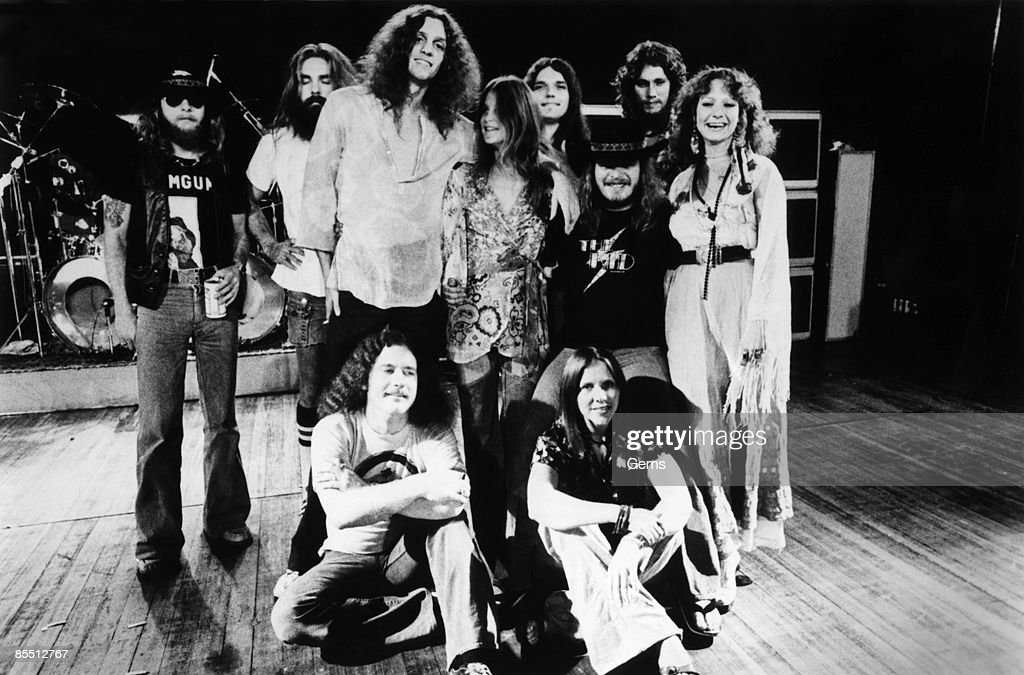 Photo of Cassie GAINES and Billy POWELL and Allen COLLINS and Ronnie VAN ZANT and Leon WILKESON and Leslie HAWKINS and Artimus PYLE and Gary ROSSINGTON and Steve GAINES and Jo BILLINGSLEY and LYNYRD SKYNYRD : News Photo