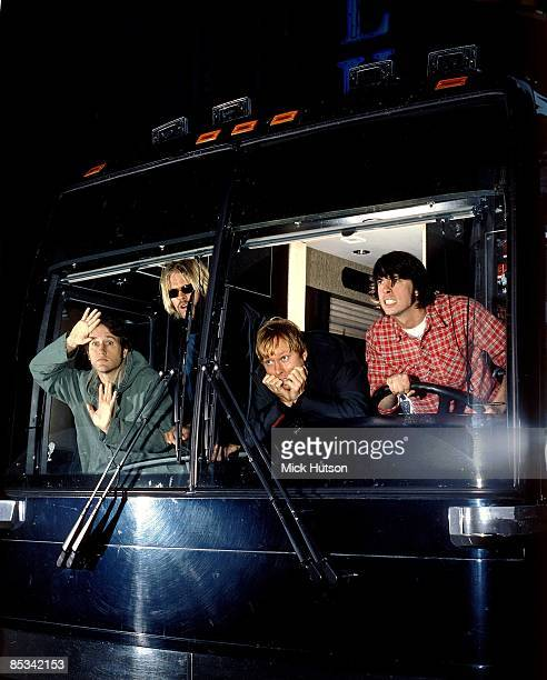 CHICAGO Photo of Chris SHIFLETT and Dave GROHL and FOO FIGHTERS and Taylor HAWKINS and Nate MENDEL and TOUR BUS LR Chris Shiflett Taylor Hawkins Dave...