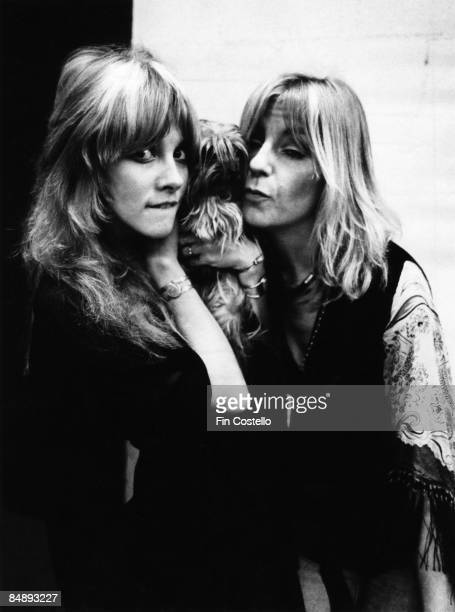 HAVEN Photo of Christine McVIE and Stevie NICKS and FLEETWOOD MAC Stevie Nicks Christine McVie in the recording studio