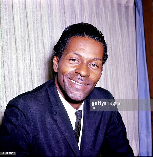 Photo of Chuck BERRY posed at EMI offices