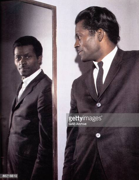 Photo of Chuck BERRY Posed portrait of Chuck Berry mirror