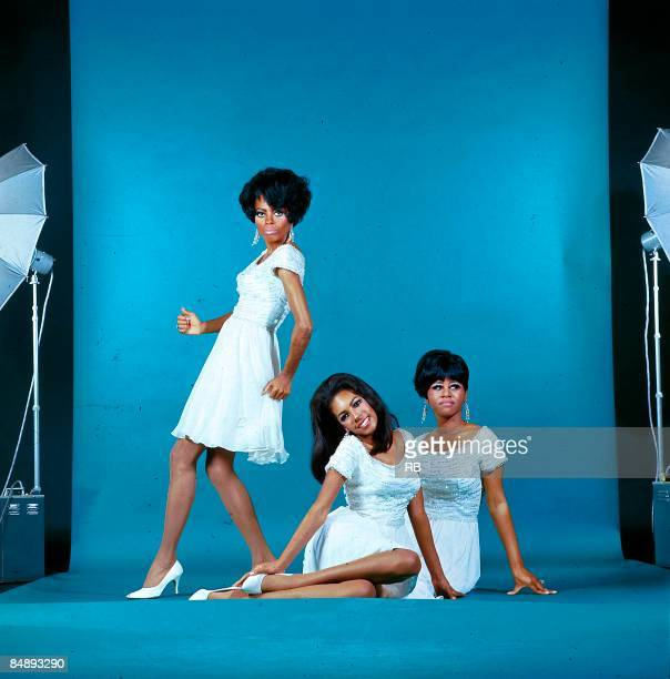 Photo of Cindy BIRDSONG and Mary WILSON and SUPREMES Posed full length studio group portrait LR Diana Ross Mary Wilson and Cindy Birdsong