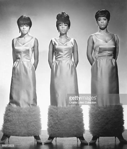 Photo of Cindy BIRDSONG and SUPREMES and Diana ROSS and Mary WILSON Posed group shot L R Diana Ross Mary Wilson Cindy Birdsong