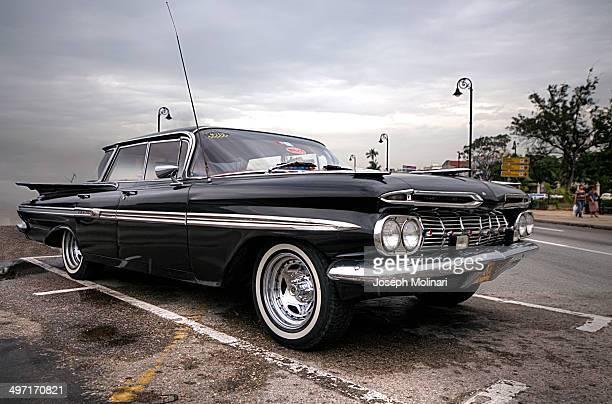 Photo of classical car in La Havana.