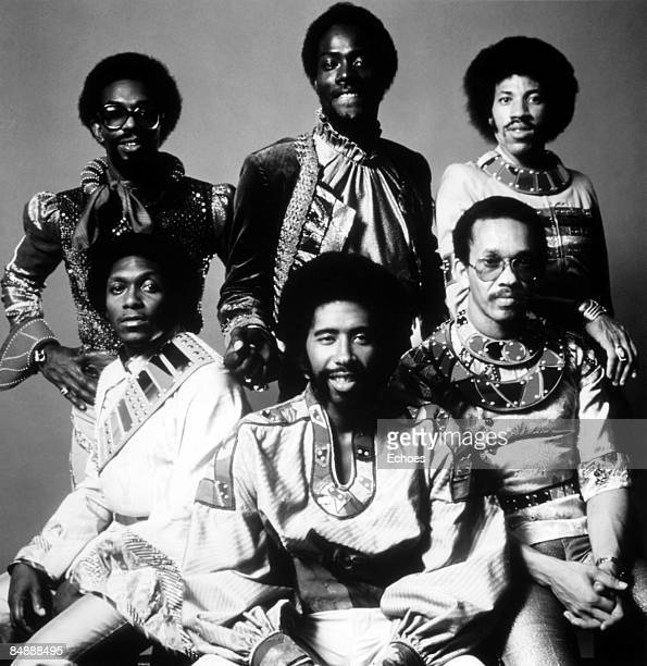 Photo of COMMODORES and Lionel RICHIE Lionel Richie back right posed group portrait