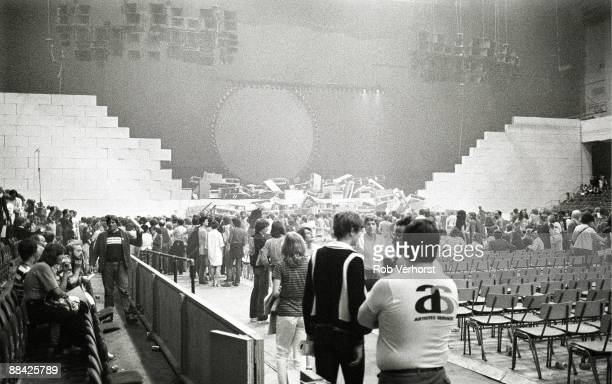 COURT Photo of CONCERT and EARLS COURT and PINK FLOYD crowds in the venue after The Wall concert