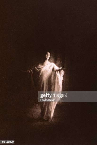 Photo of DANCE and BALLET DANCER and BALLET and Isadora DUNCAN 19161917