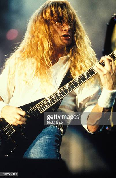 Photo of Dave MUSTAINE and MEGADETH Dave Mustaine performing live on stage
