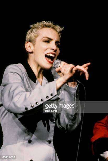 Photo of Dave STEWART and Annie LENNOX and EURYTHMICS; Annie Lennox , Dave Stewart
