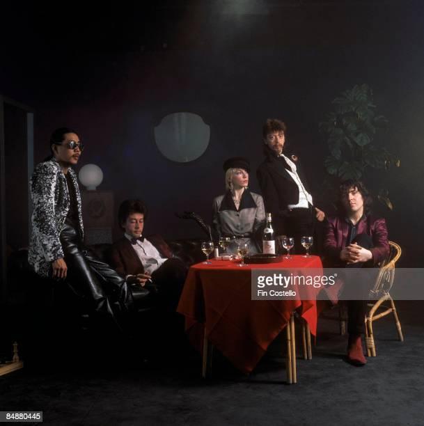 Photo of Dave STEWART and Annie LENNOX and TOURISTS; L-R. Eddie Chin, Peet Coombes , Annie Lennox, Dave Stewart, Jim Toomey