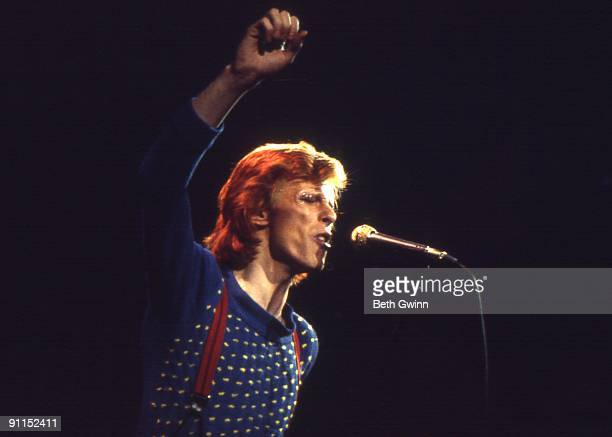 NASHVILLE Photo of David BOWIE David Bowie performing on stage Diamond Dogs tour