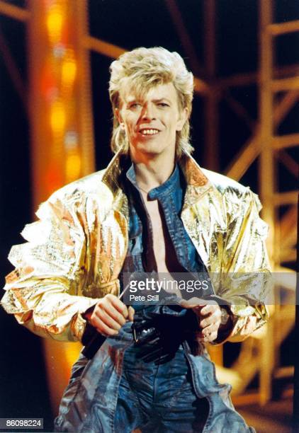 STADIUM Photo of David BOWIE David Bowie performing on stage Glass Spider tour
