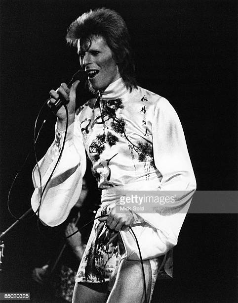 COURT Photo of David BOWIE performing live onstage on Ziggy Stardust/Aladdin Sane tour