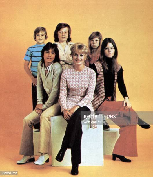 Photo of David CASSIDY and PARTRIDGE FAMILY Group portrait circa 1972 David Cassidy Brian Forster Danny Bonaduce Suzanne Crough Susan Dey and Shirley...