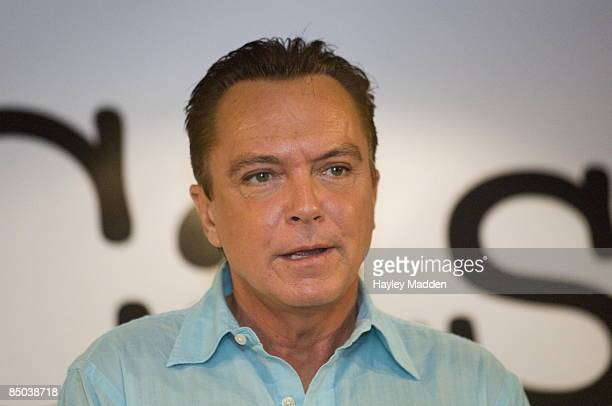 Photo of David CASSIDY at a press conference