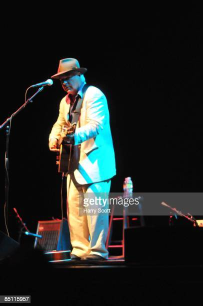 Photo of David OLNEY David Olney performing on stage