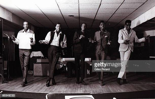 Photo of David RUFFIN and Eddie KENDRICKS and Melvin FRANKLIN and Paul WILLIAMS and TEMPTATIONS and Otis WILLIAMS Group performing on stage rehearsal...