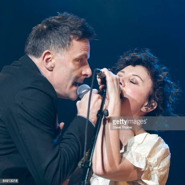 ARENA Photo of DEACON BLUE and Lorraine McINTOSH and Ricky ROSS Ricky Ross and Lorraine McIntosh performing on stage