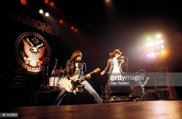 Photo of Dee Dee RAMONE and RAMONES and Johnny RAMONE and Joey RAMONE LR Johnny Ramone Joey Ramone Dee Dee Ramone