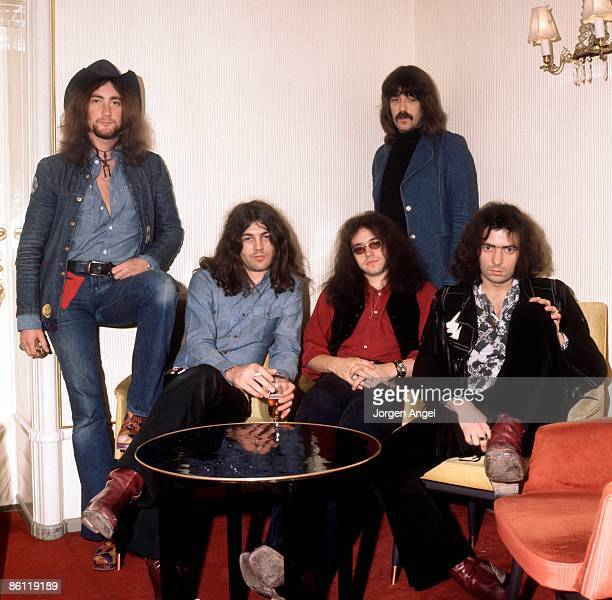 Photo of DEEP PURPLE and Ritchie BLACKMORE and Roger GLOVER and Jon LORD and Ian PAICE and Ian GILLAN LR Roger Glover Ian Gillan Ian Paice Jon Lord...