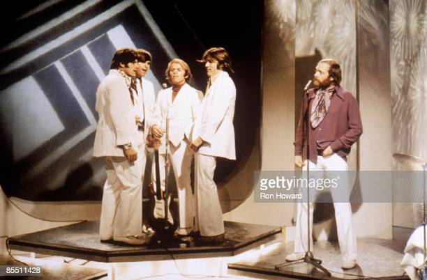 POPS Photo of Dennis WILSON and BEACH BOYS and Mike LOVE and Carl WILSON LR Bruce Johnston Carl Wilson Al Jardine Dennis Wilson Mike Love performing...