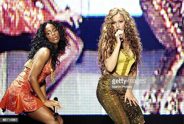 PARK Photo of DESTINY'S CHILD Kelly Rowland Beyonce Knowles