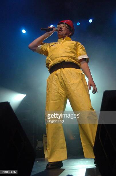 HALL Photo of DEVO Mark Mothersbaugh performing on stage as part of Jarvis Cocker's 'Meltdown'