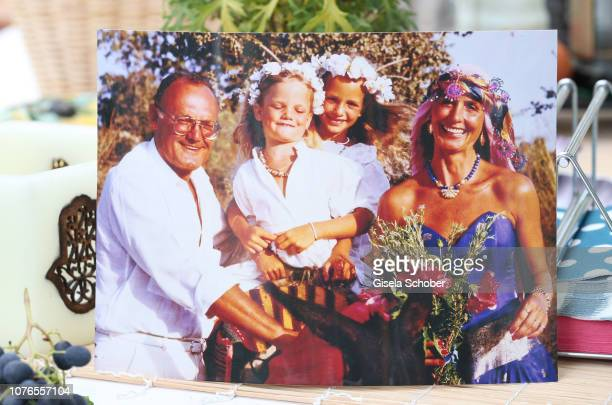 Photo of Diana Koerner during her own wedding with her former husband Werner Kreindl and their daughters JennyJoy and Lara Joy during a portrait...