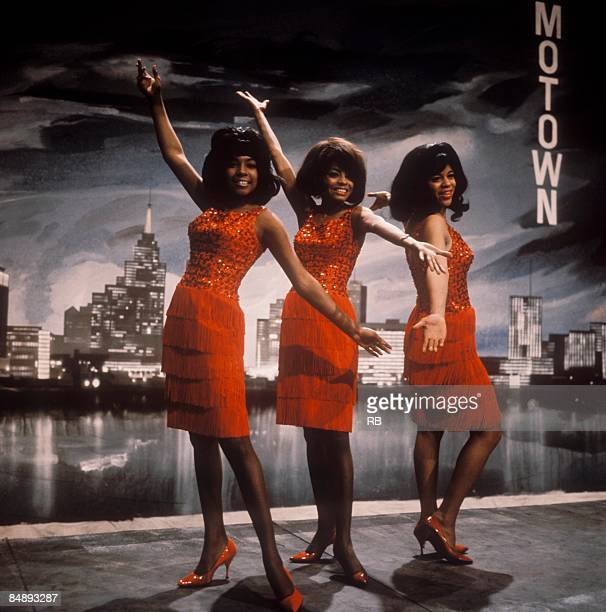 Photo of Diana ROSS and Florence BALLARD and Mary WILSON and SUPREMES Posed group portrait LR Mary Wilson Diana Ross and Florence Ballard