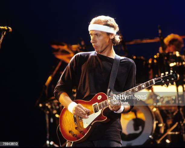 Photo of Dire Straits Mark Knopfler