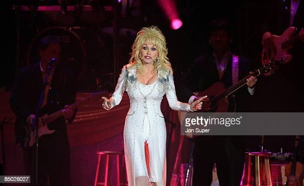 ARENA Photo of Dolly Parton Dolly Parton plays the MEN Arena Pic Jim Sharp