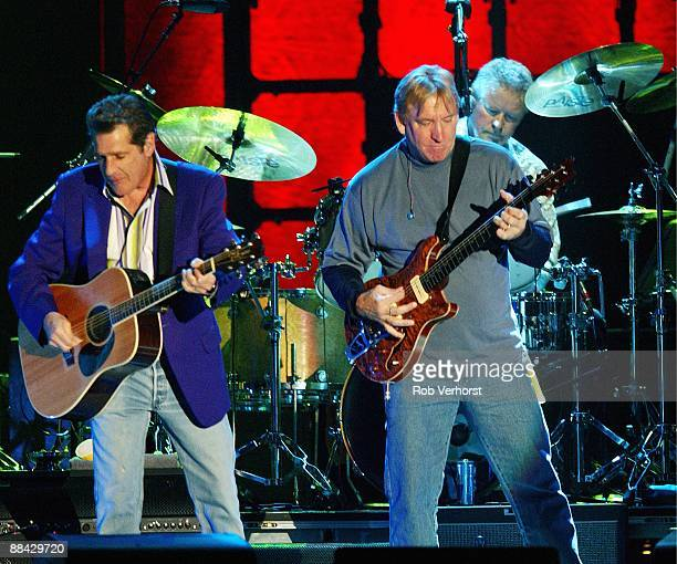 AHOY Photo of Don HENLEY and Joe WALSH and Glenn FREY and EAGLES LR Glenn Frey Joe Walsh and Don Henley performing live on stage