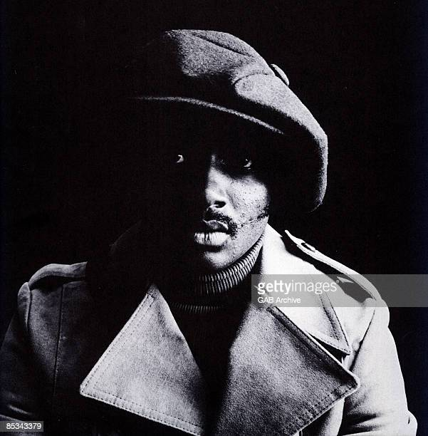 Photo of Donny HATHAWAY Posed studio portrait of Donny Hathaway