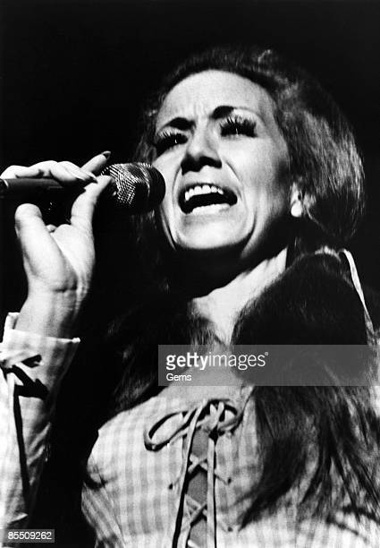 Photo of Dottie WEST Performing on stage