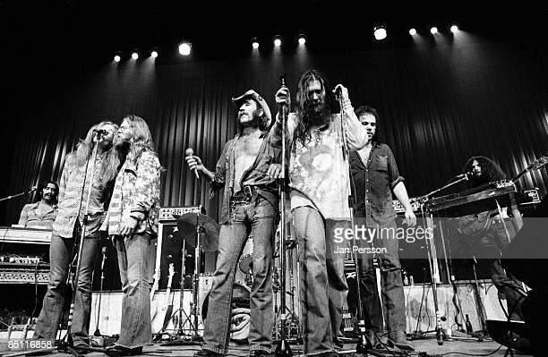 Photo of DR HOOK and Billy FRANCIS and Rik ELSWIT and Jance GARFAT and Ray SAWYER and Dennis LOCORRIERE and John WOLTERS and George CUMMINGS LR Billy...