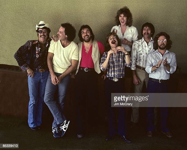 Photo of Dr HOOK and Ray SAWYER and Dennis LOCORRIERE and John WOLTERS and Rik ELSWIT and Bob HENKE and Bill FRANCIS and Jance GARFAT Posed group...