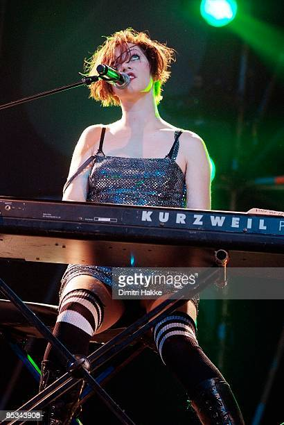 FESTIVAL Photo of DRESDEN DOLLS and Amanda PALMER Amanda Palmer performing on stage