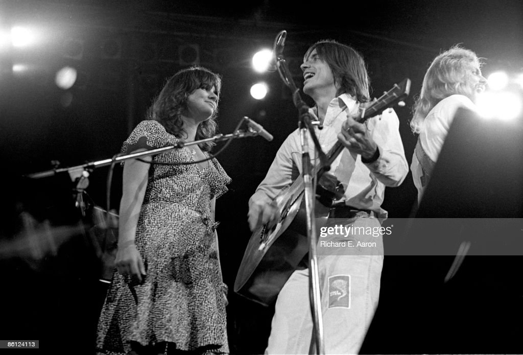 Photo of EAGLES and Linda RONSTADT and Jackson BROWNE and Don FELDER : News Photo