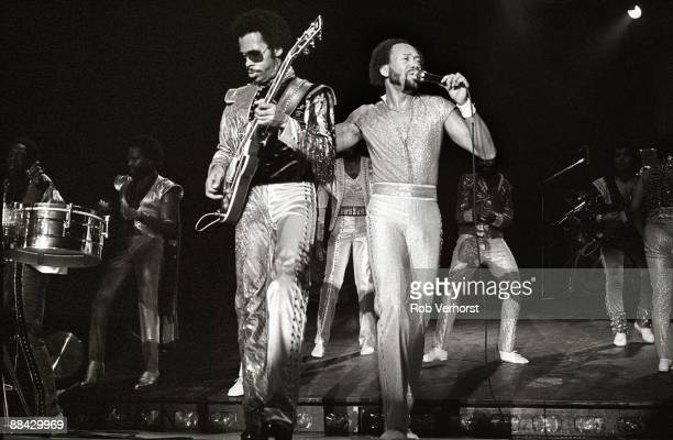 AHOY Photo of EARTH WIND FIRE and Johnny GRAHAM and Maurice WHITE Johnny Graham and Maurice White performing on stage
