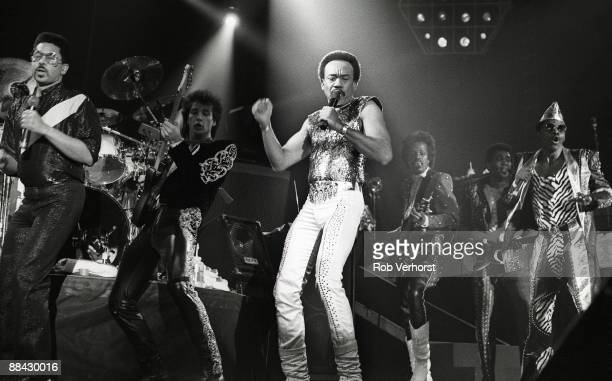 AHOY Photo of EARTH WIND FIRE and Maurice WHITE Maurice White performing on stage