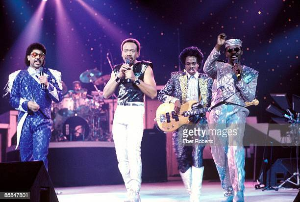 UNITED STATES FEBRUARY 01 Photo of EARTH WIND FIRE