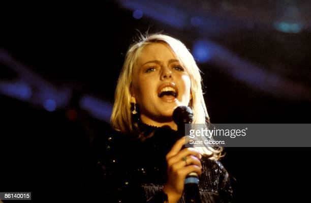 Photo of EIGHTH WONDER and Patsy KENSIT lead singer with Eighth Wonder