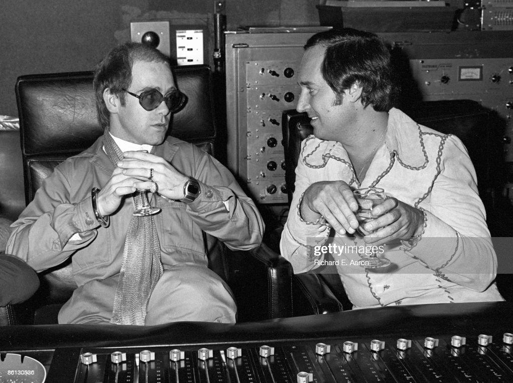 Photo of Elton JOHN and Neil SEDAKA : News Photo