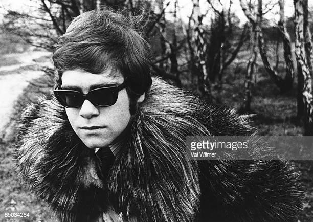 Photo of Elton JOHN First photo session on Hampstead Heath