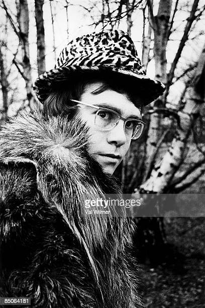 Photo of Elton JOHN His first publicity photos taken on Hampstead Heath Just finished first record