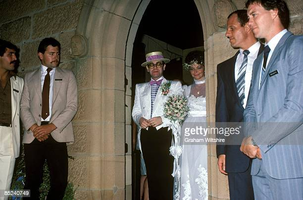 Photo of Elton JOHN marrying Renate Blauel