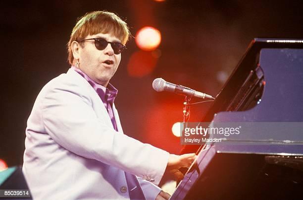 STADIUM Photo of Elton JOHN performing live onstage
